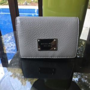 MICHAEL KORS MD SLIM WALLET PEARL GRAY LEATHER new
